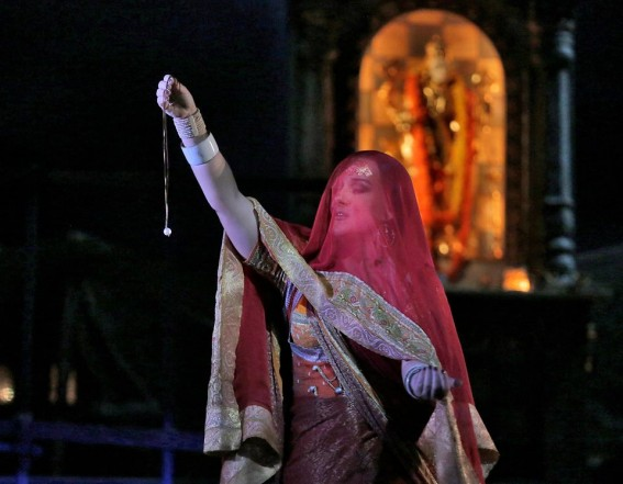 Varfor sjunger det inte om operan