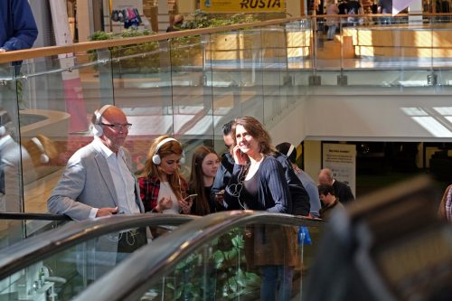 Svenska poeter i exil hörs i Mirum galleria