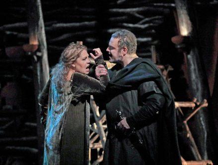 Grymma operan Norma först ut i höst (recension)