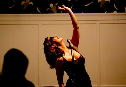 Olivia Stevens sjöng liv i Zarahs pärlor
