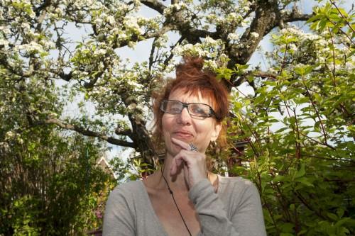 Stina Nilsson Bassell. Yrke: författare